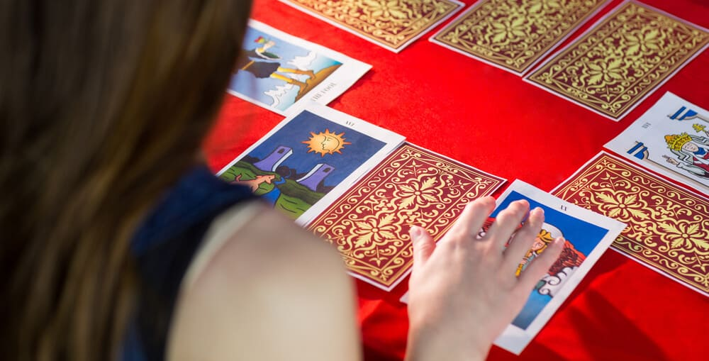 Hvordan lægger man tarotkort?